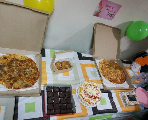Pizza! Food! Pizzzaaaaaa!